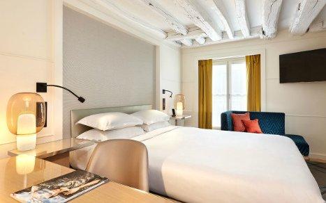 Paris tours hotels