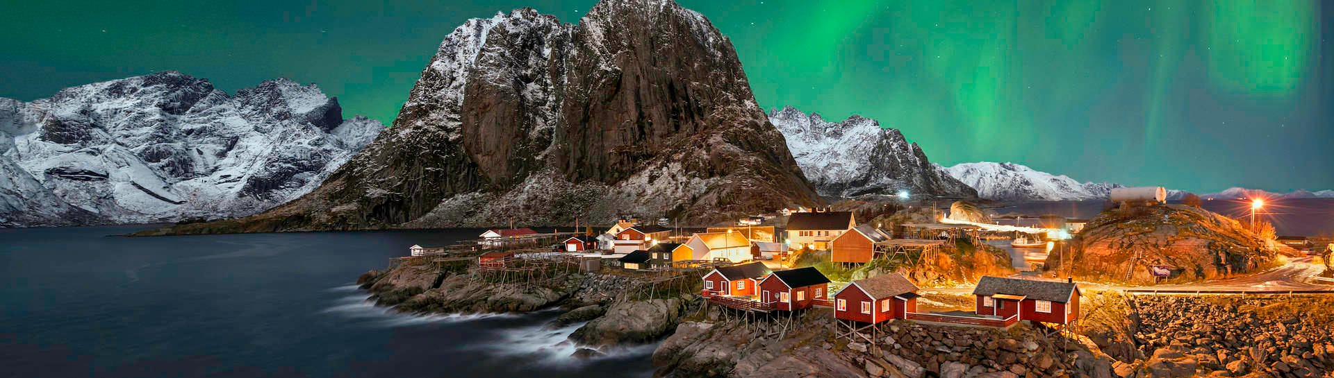 The Lofoten Islands is one of the best destinations in Norway to witness the fantastic natural phenomenon of Aurora Borealis