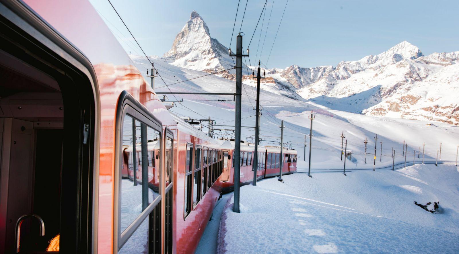 ركوب قطار الشتاء