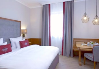 5 nights at centrally-located 4-star hotel