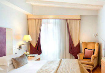4-star and 5-star accommodation at top hotels