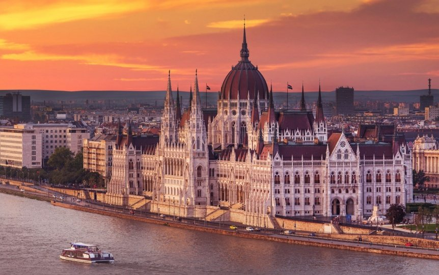 8 Traditional Hungarian Foods You Should Try in Budapest