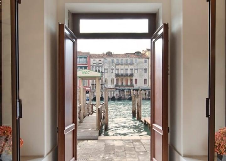 Gallery of H10 Palazzo Canova, Venice