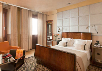 8 nights at centrally-located 4 or 5-star hotels